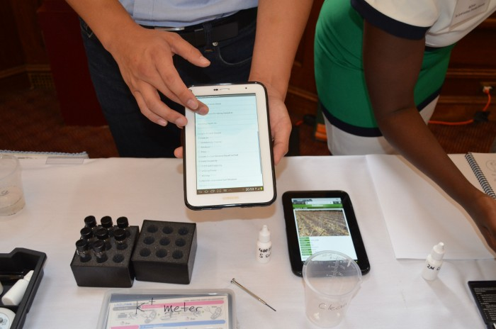 SoilDoc: Extension agents can enter data directly into a tablet to get nutrient recommendations for farmers in real time. Here, a member of the SoilDoc team shows how to use the tablet and what types of information are gathered.